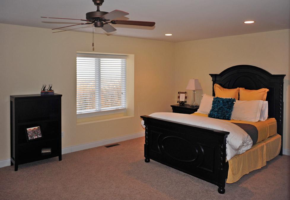 Cincinnati Townhomes First Floor Master Bedroom Guest Suites Woodland Vistas Luxury
